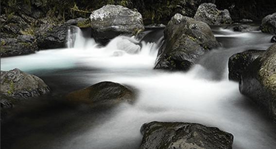 シルキーウォータ シルキースムーズエフェクトで水の流れを撮影する機能